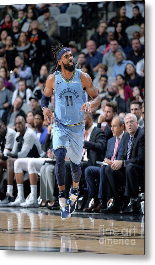 Nba Pro Basketball Metal Print featuring the photograph Memphis Grizzlies V San Antonio Spurs by Mark Sobhani