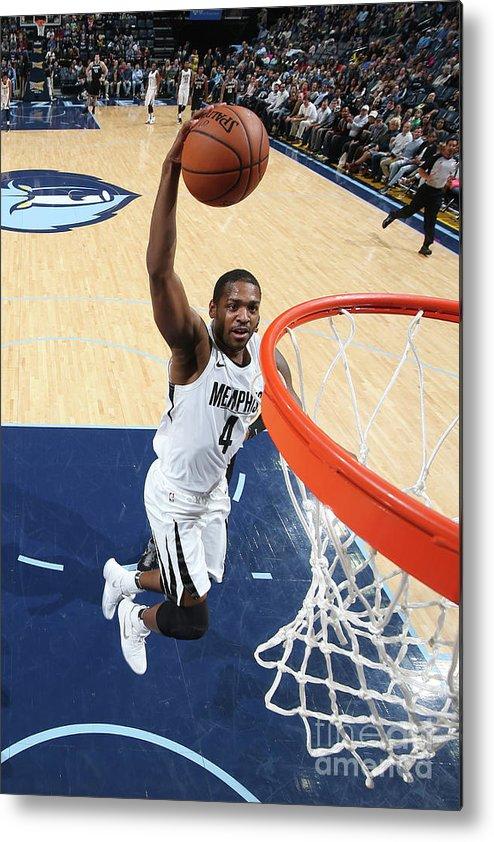 Nba Pro Basketball Metal Print featuring the photograph Sacramento Kings V Memphis Grizzlies by Joe Murphy