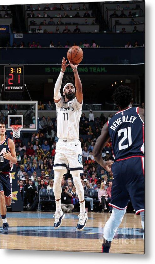 Nba Pro Basketball Metal Print featuring the photograph La Clippers V Memphis Grizzlies by Joe Murphy