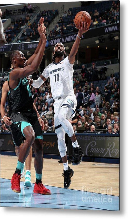 Nba Pro Basketball Metal Print featuring the photograph Charlotte Hornets V Memphis Grizzlies by Joe Murphy