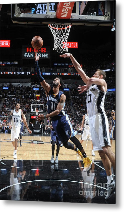 Playoffs Metal Print featuring the photograph Memphis Grizzlies V San Antonio Spurs - by Mark Sobhani