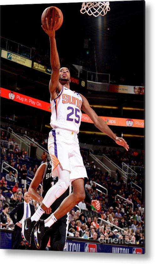Nba Pro Basketball Metal Print featuring the photograph San Antonio Spurs V Phoenix Suns by Barry Gossage