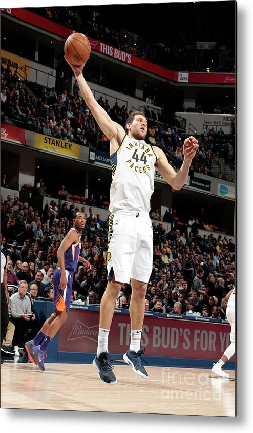 Nba Pro Basketball Metal Print featuring the photograph Phoenix Suns V Indiana Pacers by Ron Hoskins
