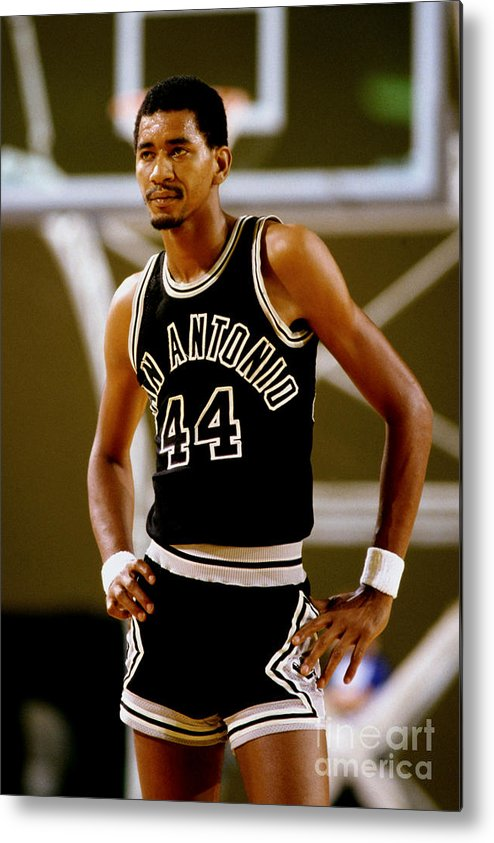 1980-1989 Metal Print featuring the photograph San Antonio Spurs George Gervin by Andy Hayt