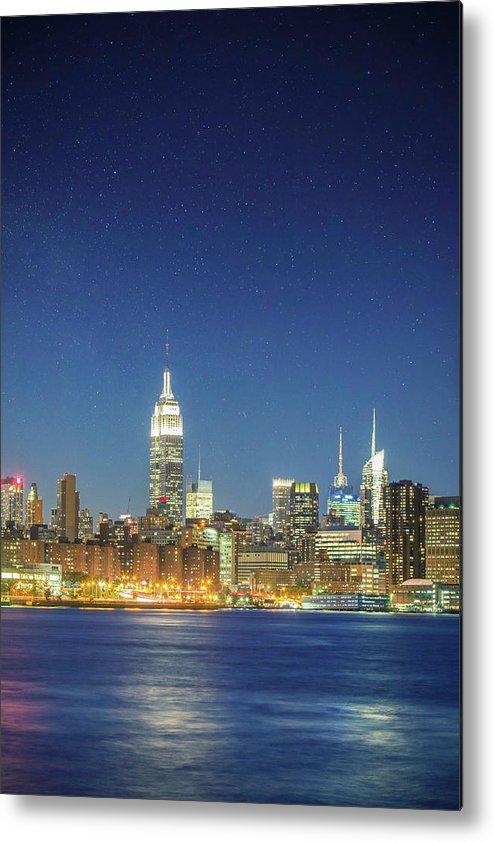 Scenics Metal Print featuring the photograph Shiny New York by Xavierarnau