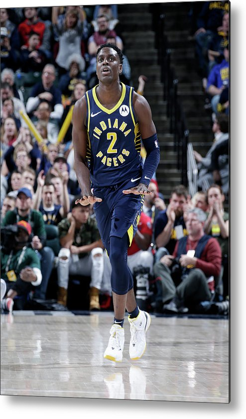 Nba Pro Basketball Metal Print featuring the photograph Darren Collison by Ron Hoskins