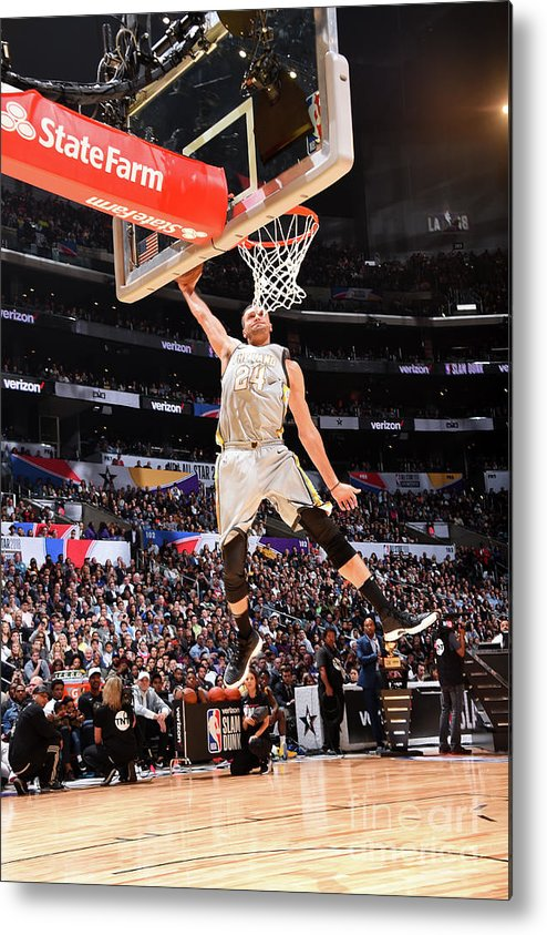 Event Metal Print featuring the photograph Larry Nance by Andrew D. Bernstein