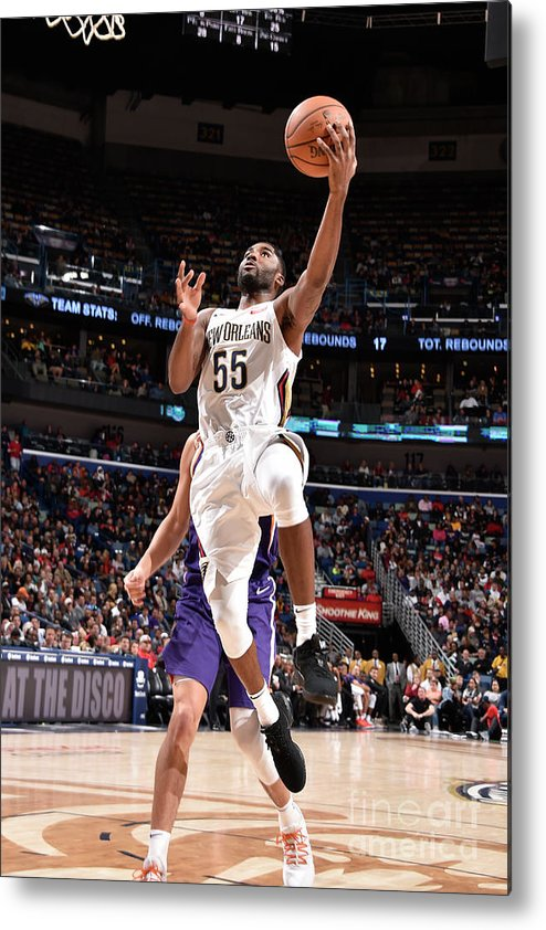 Smoothie King Center Metal Print featuring the photograph E'twaun Moore by Bill Baptist