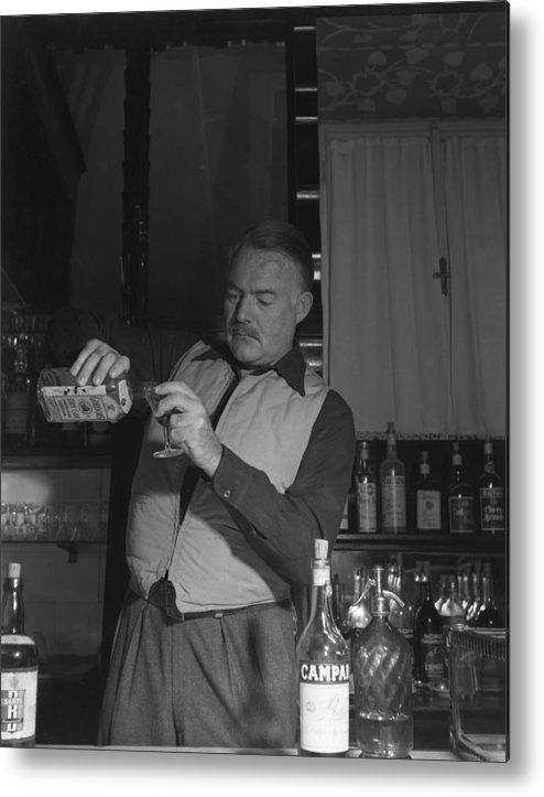 Ernest Hemingway Metal Print featuring the photograph Bartendering by Archivio Cameraphoto Epoche