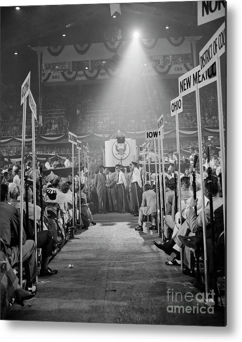 People Metal Print featuring the photograph Douglas Macarthur Speaking by Bettmann