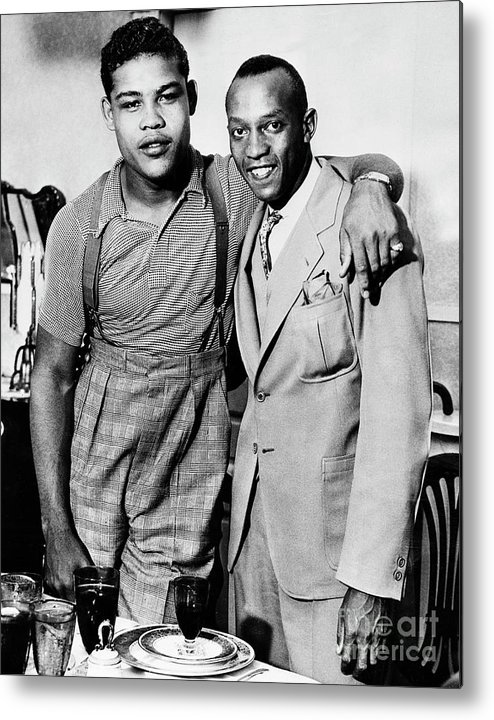 People Metal Print featuring the photograph Joe Louis And Jesse Owens by Bettmann