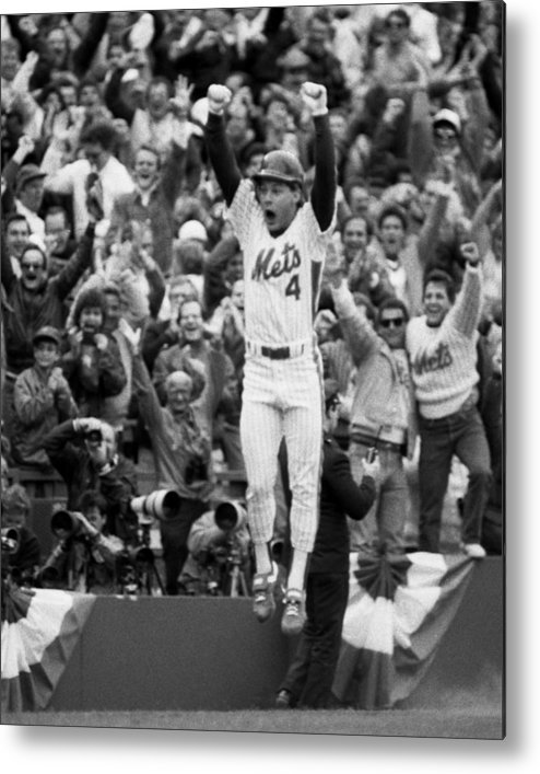 Playoffs Metal Print featuring the photograph Lenny Dysktra by New York Daily News Archive