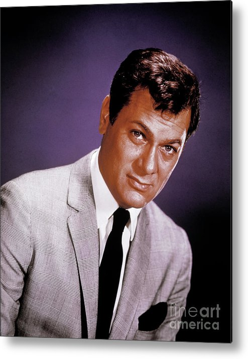 People Metal Print featuring the photograph Tony Curtis by Bettmann