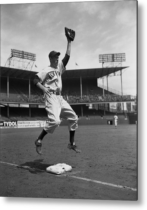 American League Baseball Metal Print featuring the photograph Gil Mcdougald by New York Daily News Archive