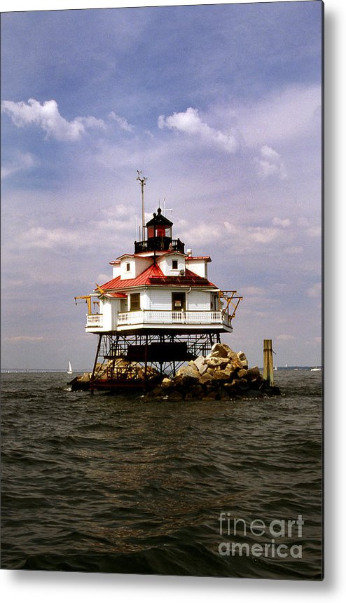 Lighthouses Metal Print featuring the photograph Thomas Point Shoal Lighthouse by Skip Willits