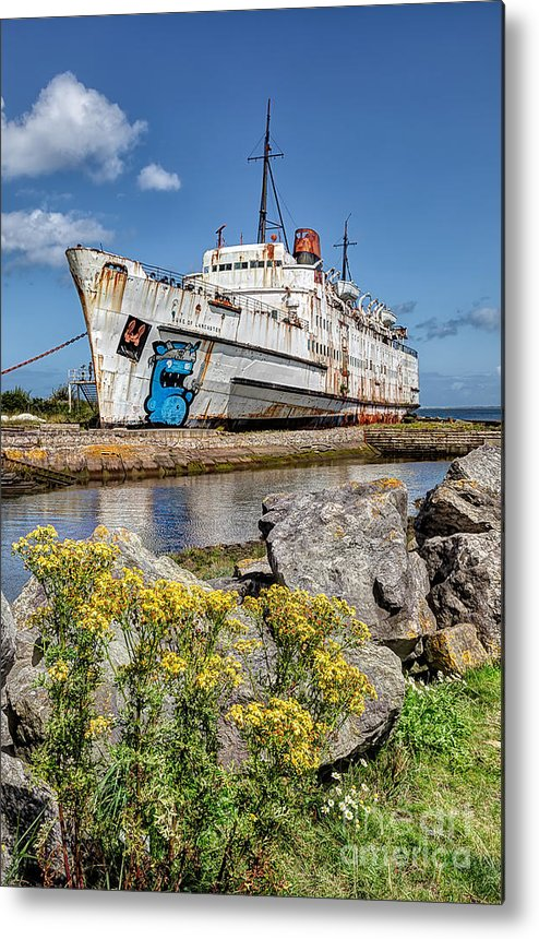 Abandoned Metal Print featuring the photograph The Duke by Adrian Evans