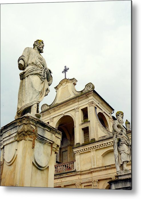 Art Metal Print featuring the photograph Abbey Statues by Valentino Visentini