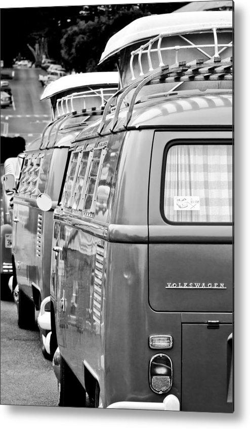Volkswagen Vw Bus Metal Print featuring the photograph Volkswagen Vw Bus by Jill Reger