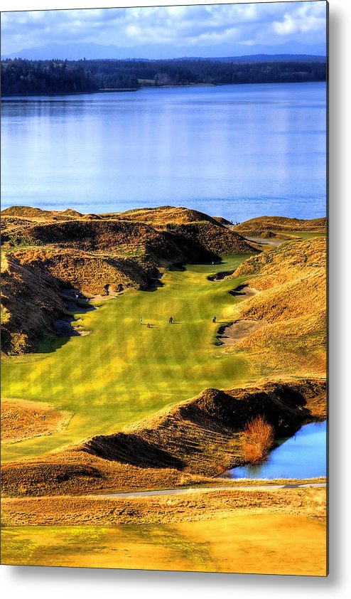 Chambers Bay Golf Course Metal Print featuring the photograph 10th Hole At Chambers Bay by David Patterson