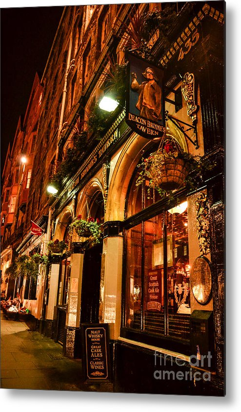 Scotland Metal Print featuring the photograph Edinburgh Pub At Night by Charlene Gauld