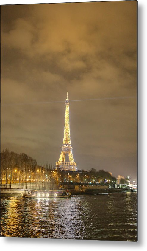Antique Metal Print featuring the photograph Eiffel Tower - Paris France - 011339 by DC Photographer