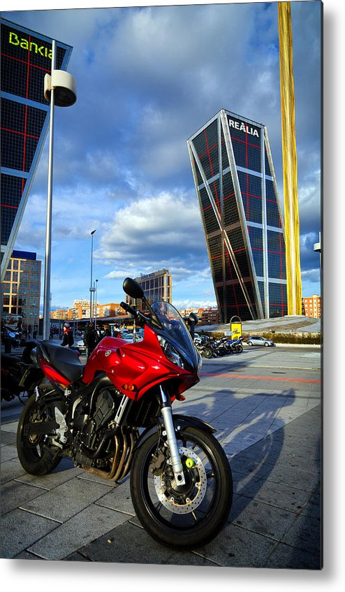 Plaza Metal Print featuring the photograph Plaza De Castilla by Pablo Lopez