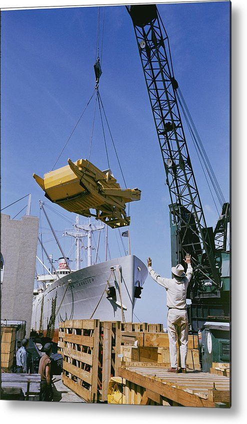 transportation Of Goods Metal Print featuring the photograph Alcoa Ship Destines For South America by Justin Locke