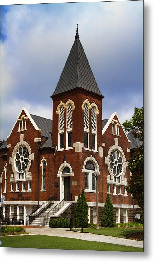 Uab Spencer Honors House Metal Print featuring the photograph Historical 1901 Uab Spencer Honors House - Birmingham Alabama by Kathy Clark