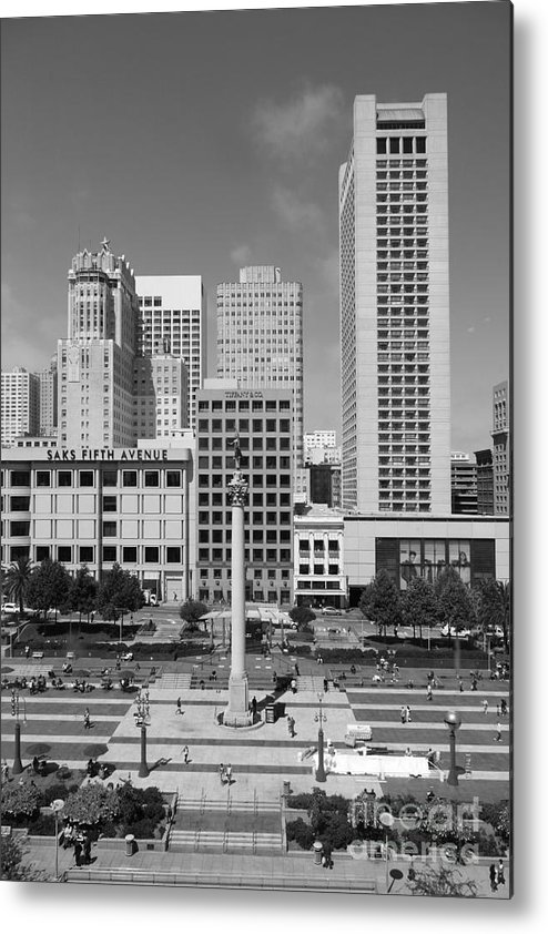 Black And White Metal Print featuring the photograph San Francisco - Union Square - 5d17941 - Black And White by Wingsdomain Art and Photography