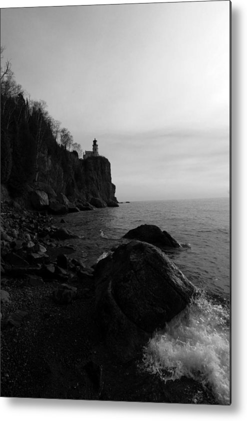 Black-and-white Metal Print featuring the photograph Split Rock Lighthouse Black-and-white by Rick Rauzi