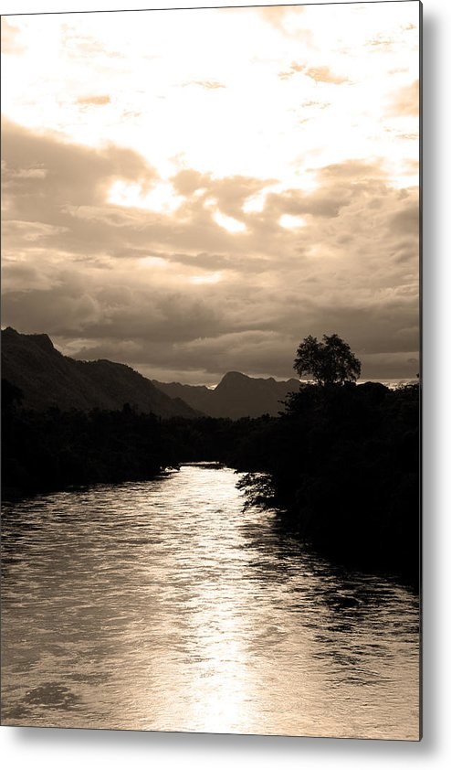 River Metal Print featuring the photograph 08004 by Jeffrey Freund