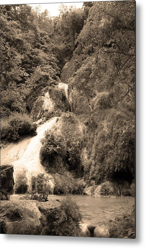 Waterfalls Metal Print featuring the photograph 08005 by Jeffrey Freund