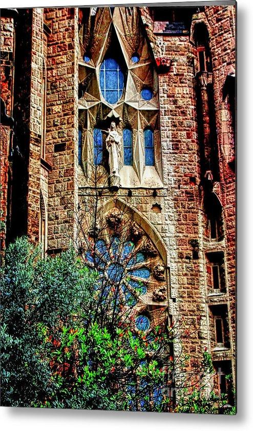 La Sagrada Famila Metal Print featuring the photograph Gaudi Barcelona by Tom Prendergast