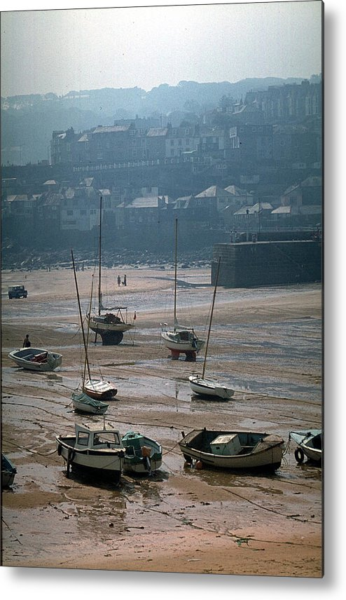 Great Britain Metal Print featuring the photograph Harbor IIi by Flavia Westerwelle