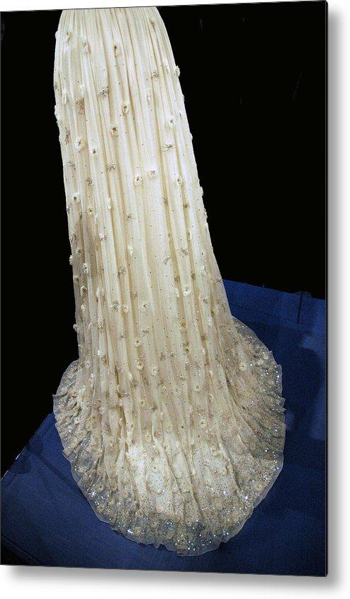 Usa Metal Print featuring the photograph Inaugural Gown Train On Display by LeeAnn McLaneGoetz McLaneGoetzStudioLLCcom