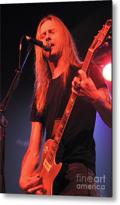 Alice In Chains Metal Print featuring the photograph Guitarist Jerry Cantrell by Concert Photos