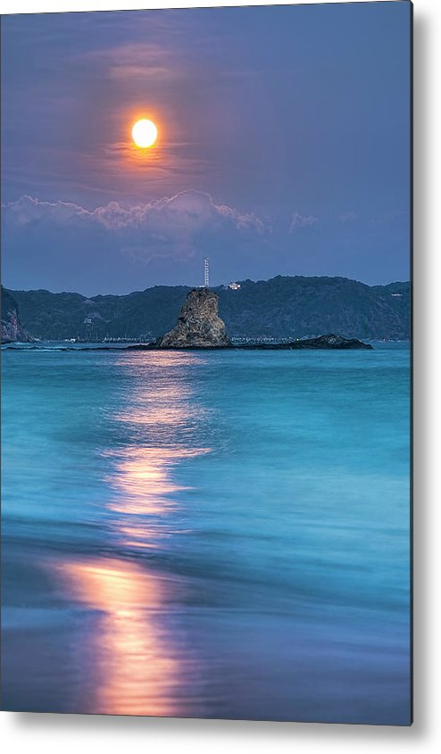 Vertical Metal Print featuring the photograph Sparkle Of Orange (full Moon) by Tommy Tsutsui