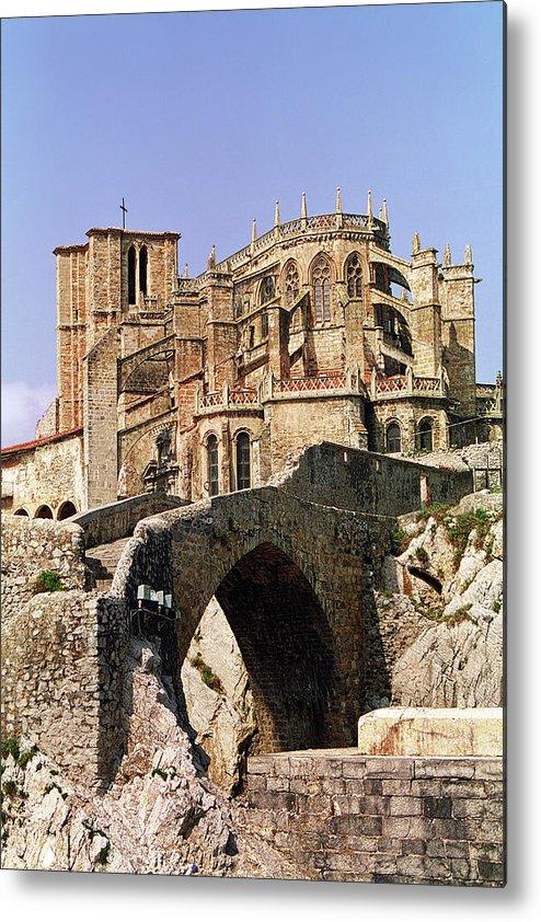 Arch Metal Print featuring the photograph Gothic Church Of Santa Maria Assunta by Alf