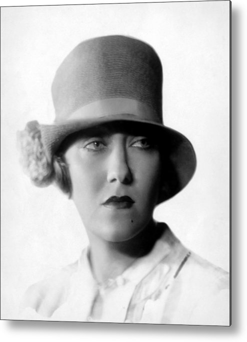 1920s Portraits Metal Print featuring the photograph Gloria Swanson, 1927 by Everett