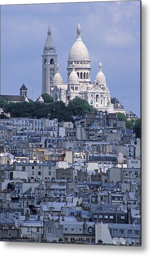 Sacre-coeur Basilica Metal Print featuring the photograph Sacre - Coeur Basilica by Doug Davidson