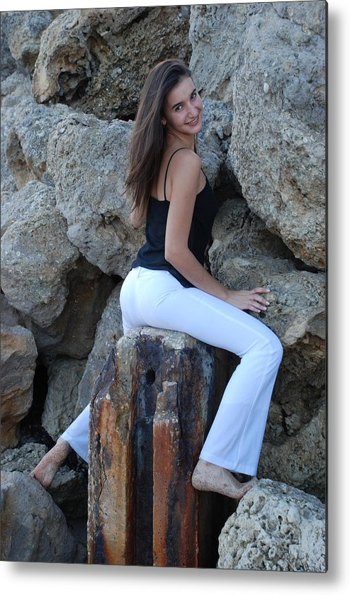 Women Metal Print featuring the photograph Gisele by Rob Hans