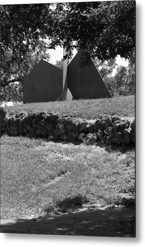 Black And White Metal Print featuring the photograph Abstract Sculpture by Rob Hans