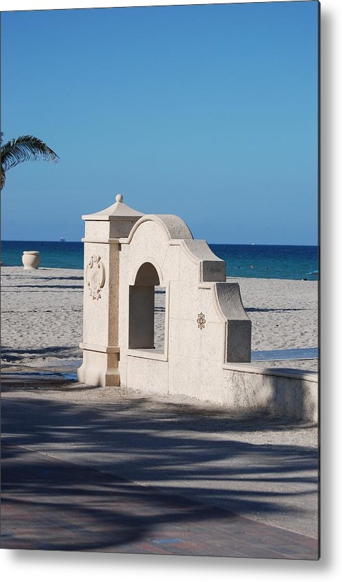Beach Metal Print featuring the photograph Hollywood Beach Wall In Color by Rob Hans