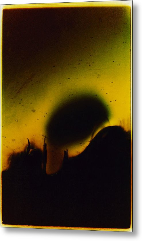 Abstract Metal Print featuring the photograph Ormand by David Rivas