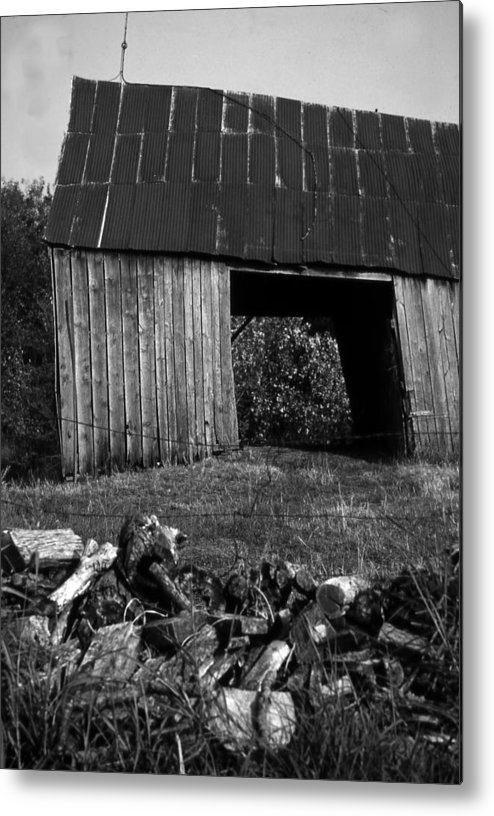 Vintage Metal Print featuring the photograph lloyd-shanks-barn-2BW by Curtis J Neeley Jr
