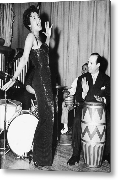 Singer Metal Print featuring the photograph Lena Horne Sings by Hulton Archive