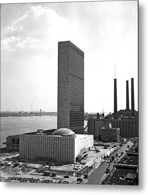 1940s Metal Print featuring the photograph Un Building Under Construction by Underwood Archives