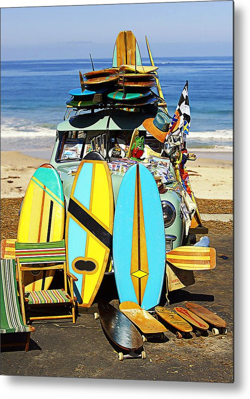 Surf Metal Print featuring the photograph Bringing Out The Goods by Ron Regalado