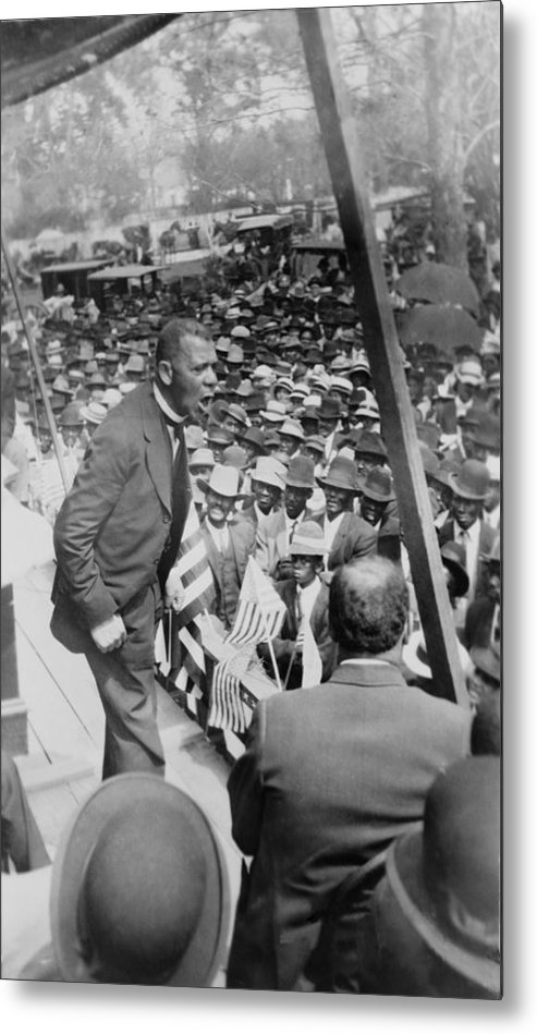 History Metal Print featuring the photograph Booker T. Washington 1856-1915 by Everett