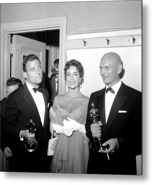1950-1959 Metal Print featuring the photograph At The Oscars by Michael Ochs Archives